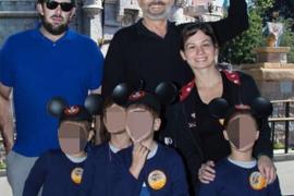 Miguel Bosé muestra el rostro de sus hijos para contrarrestar el intento de extorsión