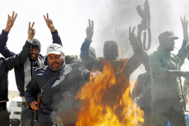Francia y el Reino Unido buscan una salida política a la crisis de Libia