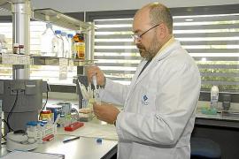 Pablo Escribá: «Hay gente a la que el Minerval le ha curado el cáncer»