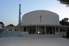 Los vecinos de Can Picafort, sorprendidos por la suspensión del párroco por presuntos abusos