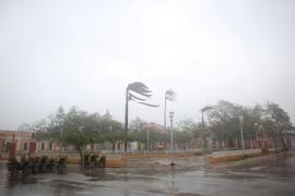 Florida llama a evacuar a 5,6 millones de personas mientras vive horas eternas a la espera del temible huracán Irma