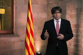 Puigdemont avisa que sólo el Parlament puede inhabilitarlo y que tiene a punto el 1-O