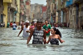Irma deja aislados a miles de españoles en Cuba, donde sigue cerrado el aeropuerto de La Habana