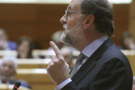 Rajoy dice que la prioridad no es reformar la Constitución sino defenderla