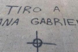 Pintadas amenazantes contra la CUP y Anna Gabriel por un acto en Valencia