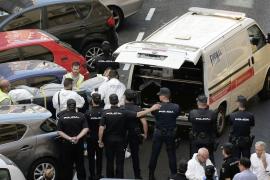 El agente asesinado en Valencia seguía el rastro de sangre de la maleta donde se hallaron restos humanos hasta la casa del agresor