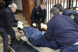 Un hombre muere al caer desde un tercer piso en Palma al intentar entrar por la terraza