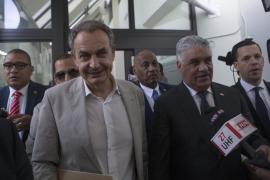 Un periodista confunde a Zapatero con Aznar