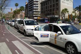 Los taxistas piden un aumento del 9% en las tarifas para compensar la subida del gasóleo