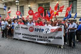 Los sindicatos de la cárcel de Palma exigen la dimisión de la directora y denuncian el aumento de agresiones al personal