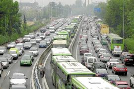 La CE propone acabar con los coches de gasolina y diesel en la ciudad en 2050