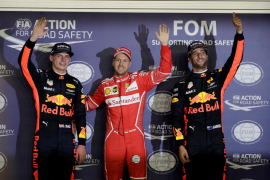 Vettel gana la 'pole position' en Singapur