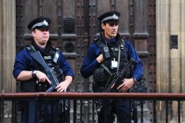 La policía británica detiene a otro hombre en relación con el ataque en el metro de Londres