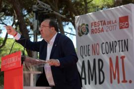 Pedro Sánchez pide desde Cataluña más diálogo y autogobierno a Rajoy