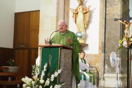 Homenaje al obispo Javier Salinas en la iglesia de Santa Creu de Vila (Fotos: Marcelo Sastre).