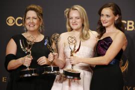 'The Handmaid's Tale' conquista los premios Emmy