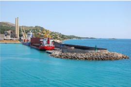 El GOB se opone a un almacén de cemento previsto en el port d'Alcúdia