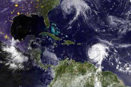 El huracán María, de categoría 5, toca tierra en la isla de Dominica