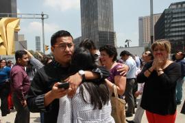 Derrumbes y pánico colectivo en México tras el potente temblor