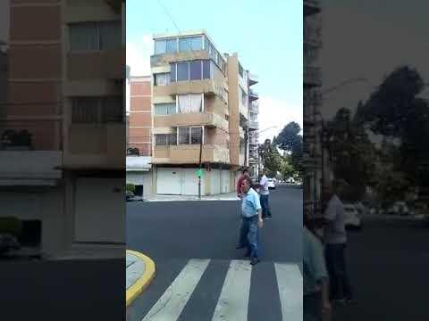 El caos y el olor a gas se apoderan de la Ciudad de México tras el terremoto