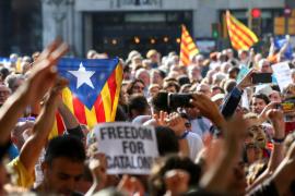 Rechazo en las calles por las detenciones para frenar el referéndum en Cataluña