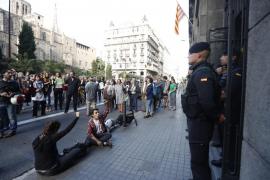 Interior suspende los permisos de los policías y los guardias civiles movilizados por el 1-O