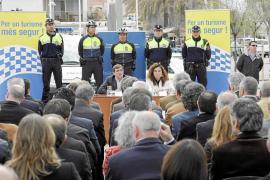 Govern y ayuntamientos invierten 3,2 millones en contratar 269 policías turísticos