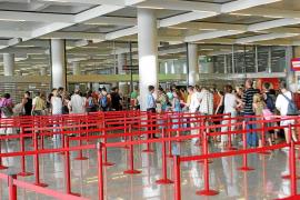 AENA asume varias propuestas de las tiendas afectadas por los nuevos filtros de seguridad