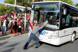 Los trabajadores de la EMT dejan Palma sin servicio de autobús hasta las 8.30 de la mañana