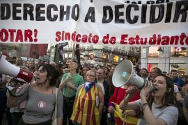 La Puerta del Sol protesta por las detenciones en Cataluña