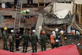 Un malagueño permanece atrapado bajo los escombros de un inmueble derrumbado en México