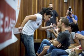 Anna Gabriel (CUP) afirma que varios «infiltrados» instaron a lanzar vallas contra la Policía