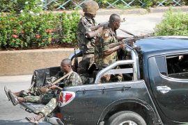 Los rebeldes dan un ultimátum a Gbagbo para evitar un baño de sangre