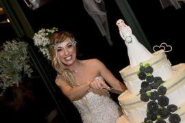 Una mujer italiana se casa consigo misma