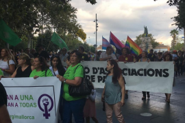 Más de mil personas recorren el centro de Palma contra la masificación turística