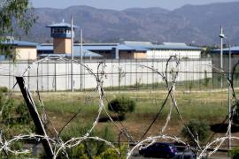 Un conductor ebrio que se daba a la fuga tras un accidente se equivoca y entra en la cárcel de Palma