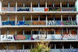Grafitis en el Edificio Flex de Palma