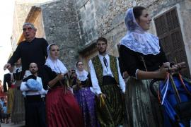 La vida y obra de Sant Juníper Serra centra el desfile de carrozas en su honor