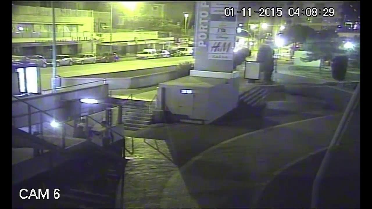 Una cámara de Porto Pi graba la brutal agresión de cuatro jóvenes a un policía