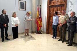Salom ensalza el trabajo de los funcionarios de la cárcel de Palma durante la festividad de La Merced