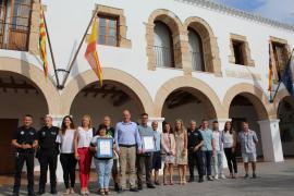 Santa Eulària logra el sello de Aenor a la excelencia en el servicio de la Policía Local y la accesibilidad de la playa de Cala
