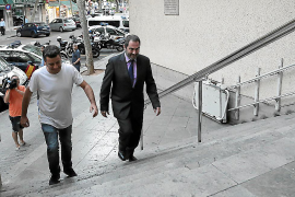 La policía interroga en Palma a un activista por subir la web del referéndum