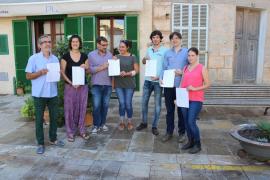 Unos 170 cargos electos firman un manifiesto a favor del referéndum y que condena las «acciones represivas» del Estado