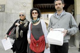 Vecinos de Porto Cristo entregan 3.028 firmas al TSJB pidiendo la reapertura del puente