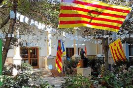 Nuevo conflicto entre estudiantes de la UIB y el decano Miquel Deyà