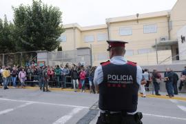 Un ciudadano denuncia a los Mossos ante el juez de guardia por no impedir el 1-O