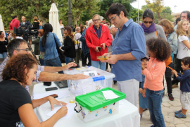 Sineu, Llubí y Artà sacan las urnas a favor de la democracia