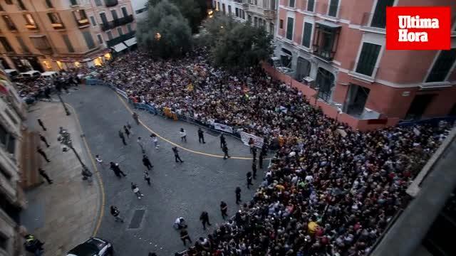 Mallorca sale a la calle en protesta por la actuación policial en Cataluña