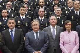 Zoido defiende que la Policía hizo «lo que tenía que hacer» en Cataluña