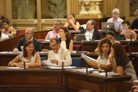 El reparto del impuesto turístico y la política de viviendas del Ibavi, a debate en el Parlament
